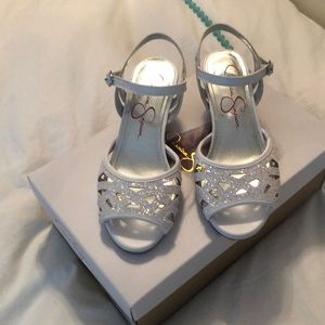 Girls glitter dress sandals